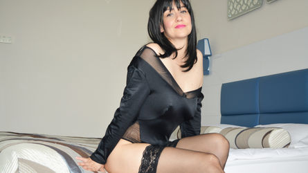 SquirtSandraxxx | www.livesex2100.com | Livesex2100 image15
