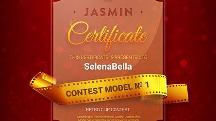SelenaBella | www.latestrip.com | Latestrip image9