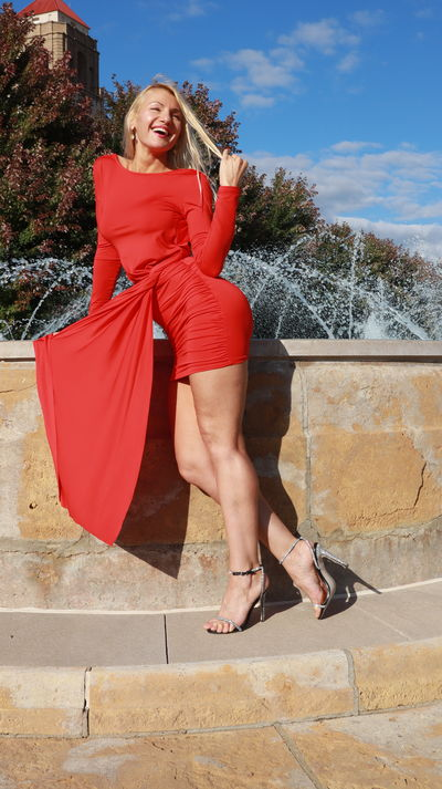 Red dress Smile